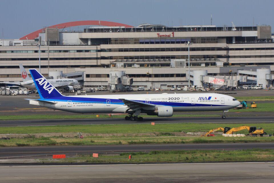 wunalaさんの全日空 Boeing 777-300 (JA757A) 航空フォト
