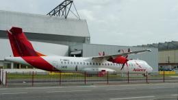 singapore346さんが、トゥールーズ・ブラニャック空港で撮影したエア・ボツワナ ATR-72-600の航空フォト(飛行機 写真・画像)