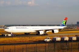 ちっとろむさんが、フランクフルト国際空港で撮影した南アフリカ航空 A340-642の航空フォト(飛行機 写真・画像)