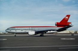 ゴンタさんが、フェニックス・スカイハーバー国際空港で撮影したノースウエスト航空 DC-10-40の航空フォト(飛行機 写真・画像)