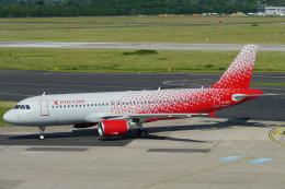 singapore346さんが、デュッセルドルフ国際空港で撮影したロシア航空 A320-214の航空フォト(飛行機 写真・画像)