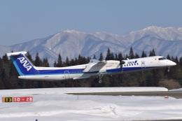 falconさんが、秋田空港で撮影したANAウイングス DHC-8-402Q Dash 8の航空フォト(飛行機 写真・画像)