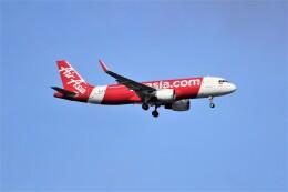 OMAさんが、シンガポール・チャンギ国際空港で撮影したインドネシア・エアアジア A320-216の航空フォト(飛行機 写真・画像)