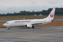 HEATHROWさんが、長崎空港で撮影した日本航空 737-846の航空フォト(飛行機 写真・画像)