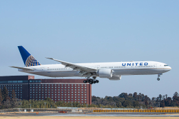 SGR RT 改さんが、成田国際空港で撮影したユナイテッド航空 777-322/ERの航空フォト(飛行機 写真・画像)