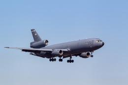ファントム無礼さんが、横田基地で撮影したアメリカ空軍 KC-10A Extender (DC-10-30CF)の航空フォト(飛行機 写真・画像)