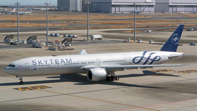 航空フォト:PK-GII ガルーダ・インドネシア航空 777-300