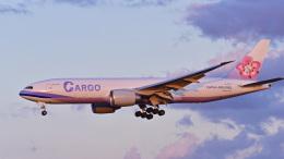 パンダさんが、成田国際空港で撮影したチャイナエアライン 777-Fの航空フォト(飛行機 写真・画像)