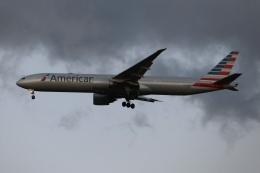 SIさんが、成田国際空港で撮影したアメリカン航空 777-323/ERの航空フォト(飛行機 写真・画像)