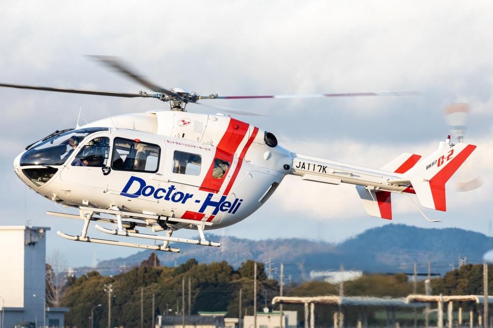 T spotterさんのセントラルヘリコプターサービス Kawasaki BK117 (JA117K) 航空フォト