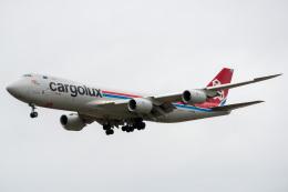 乗り物なんでもチャンネルさんが、小松空港で撮影したカーゴルクス 747-8R7F/SCDの航空フォト(飛行機 写真・画像)