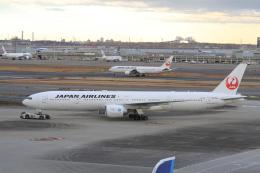 TAK_HND_NRTさんが、羽田空港で撮影した日本航空 777-346/ERの航空フォト(飛行機 写真・画像)