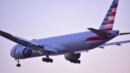 パンダさんが、成田国際空港で撮影したアメリカン航空 777-323/ERの航空フォト(飛行機 写真・画像)