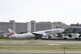 344さんが、伊丹空港で撮影した日本航空 777-346の航空フォト(飛行機 写真・画像)