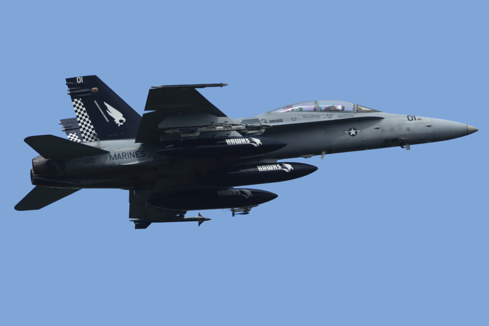 Talon.Kさんのアメリカ海兵隊 McDonnell Douglas F/A-18 Hornet (164652) 航空フォト