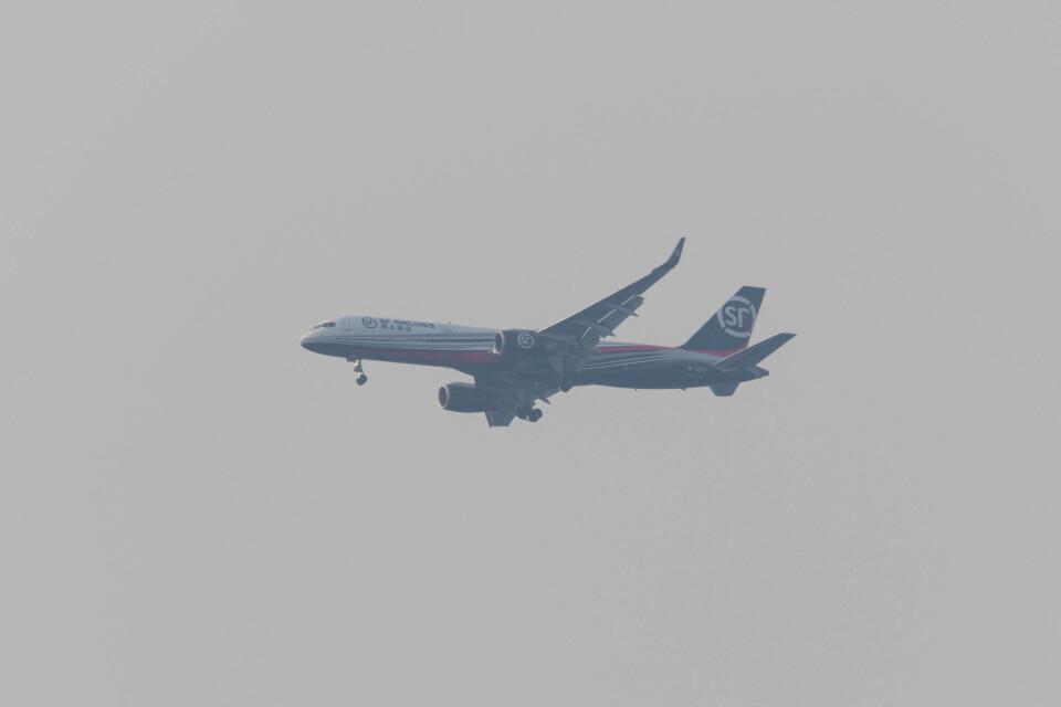 Koenig117さんのSF エアラインズ Boeing 757-200 (B-1252) 航空フォト