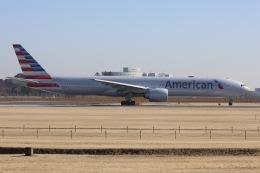 sky-spotterさんが、成田国際空港で撮影したアメリカン航空 777-323/ERの航空フォト(飛行機 写真・画像)