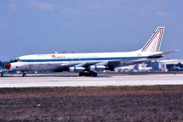 マイアミ国際空港 - Miami International Airport [MIA/KMIA]で撮影されたマイアミ国際空港 - Miami International Airport [MIA/KMIA]の航空機写真(フォト・画像)