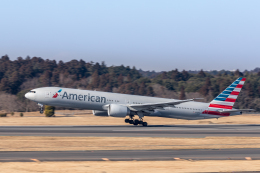 Y-Kenzoさんが、成田国際空港で撮影したアメリカン航空 777-323/ERの航空フォト(飛行機 写真・画像)