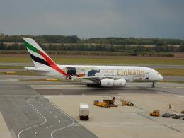 kiyo hさんが、ウィーン国際空港で撮影したエミレーツ航空 A380-861の航空フォト(飛行機 写真・画像)