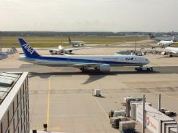 kiyo hさんが、フランクフルト国際空港で撮影した全日空 777-381/ERの航空フォト(飛行機 写真・画像)