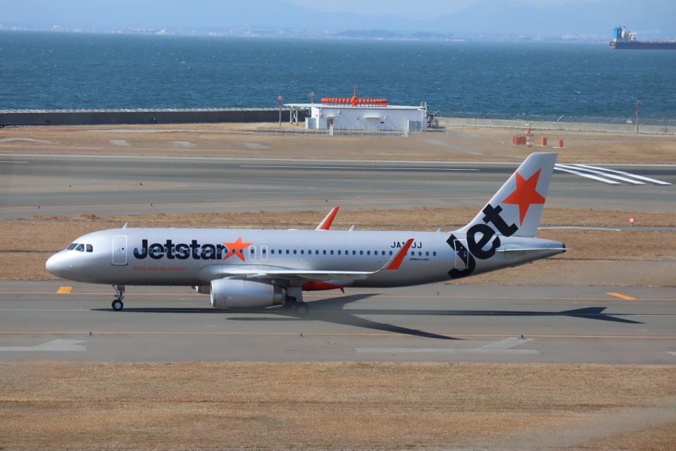 さかいさんのジェットスター・ジャパン Airbus A320 (JA13JJ) 航空フォト