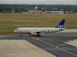 kiyo hさんが、フランクフルト国際空港で撮影したスカンジナビア航空 A320-232の航空フォト(飛行機 写真・画像)