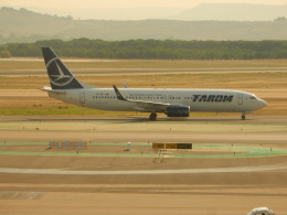 kiyo hさんが、マドリード・バラハス国際空港で撮影したタロム航空 737-82Rの航空フォト(飛行機 写真・画像)