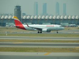 kiyo hさんが、マドリード・バラハス国際空港で撮影したイベリア航空 A320-216の航空フォト(飛行機 写真・画像)