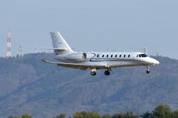 Gambardierさんが、岡山空港で撮影したノエビア 680 Citation Sovereignの航空フォト(飛行機 写真・画像)