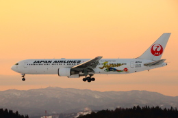 wingace752さんが、青森空港で撮影した日本航空 767-346/ERの航空フォト(飛行機 写真・画像)