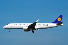 ちっとろむさんが、フランクフルト国際空港で撮影したルフトハンザ・シティライン ERJ-190-100 LR (ERJ-190LR)の航空フォト(飛行機 写真・画像)