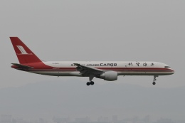 ☆H・I・J☆さんが、関西国際空港で撮影した上海航空 757-26D(PCF)の航空フォト(飛行機 写真・画像)