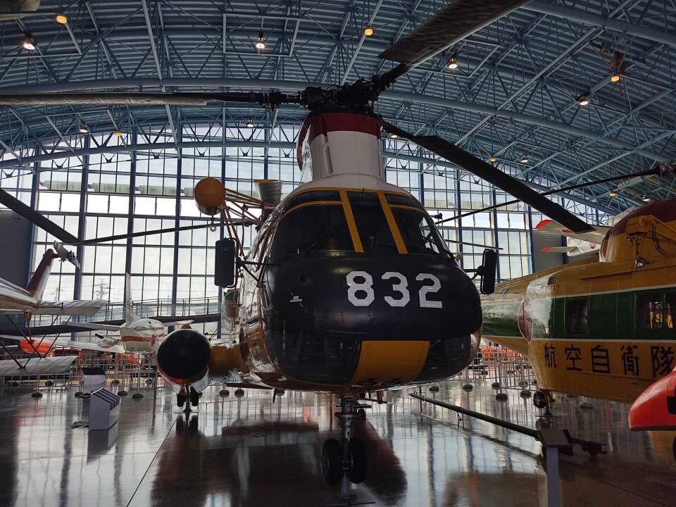 ジャンクさんの航空自衛隊 Kawasaki V-107 (24-4832) 航空フォト