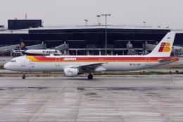 kinsanさんが、バルセロナ空港で撮影したイベリア航空 A321-211の航空フォト(飛行機 写真・画像)