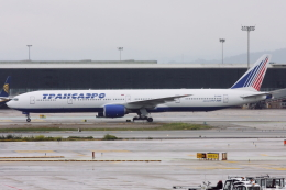 kinsanさんが、バルセロナ空港で撮影したトランスアエロ航空 777-312の航空フォト(飛行機 写真・画像)