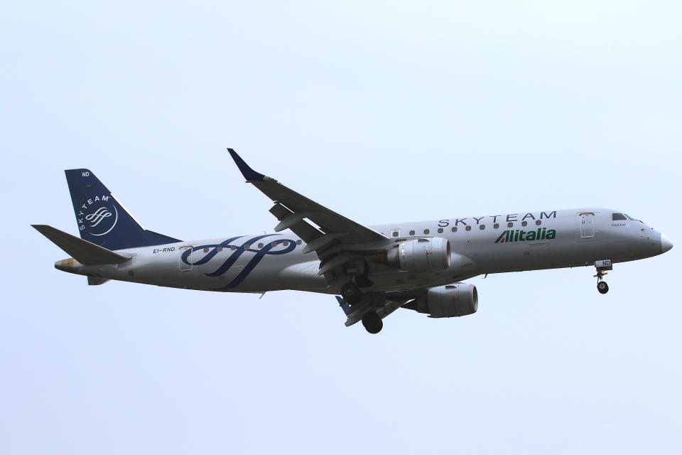 かみじょー。さんのアリタリア・シティライナー Embraer 190 (EI-RND) 航空フォト
