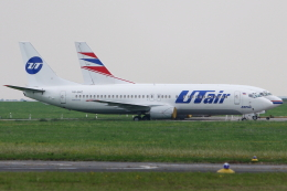 kinsanさんが、ヴァーツラフ・ハヴェル・プラハ国際空港で撮影したUTエア 737-46Mの航空フォト(飛行機 写真・画像)