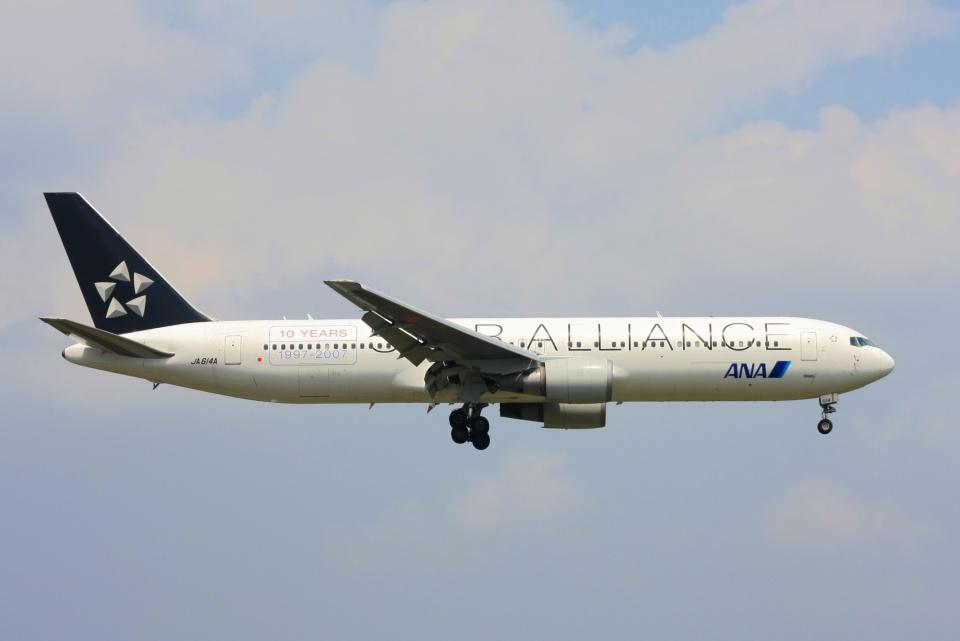 inyoさんの全日空 Boeing 767-300 (JA614A) 航空フォト