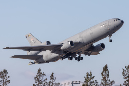KANTO61さんが、横田基地で撮影したアメリカ空軍 KC-10A Extender (DC-10-30CF)の航空フォト(飛行機 写真・画像)