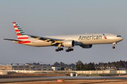 saoya_saodakeさんが、成田国際空港で撮影したアメリカン航空 777-323/ERの航空フォト(飛行機 写真・画像)