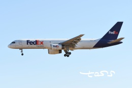 tassさんが、成田国際空港で撮影したフェデックス・エクスプレス 757-28A(SF)の航空フォト(飛行機 写真・画像)