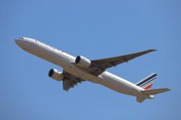 赤ちんさんが、成田国際空港で撮影したエールフランス航空 777-328/ERの航空フォト(飛行機 写真・画像)