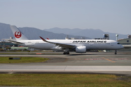 MOHICANさんが、福岡空港で撮影した日本航空 A350-941の航空フォト(飛行機 写真・画像)