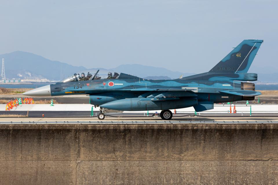(新)ふぁんとむ改さんの航空自衛隊 Mitsubishi F-2B (83-8134) 航空フォト