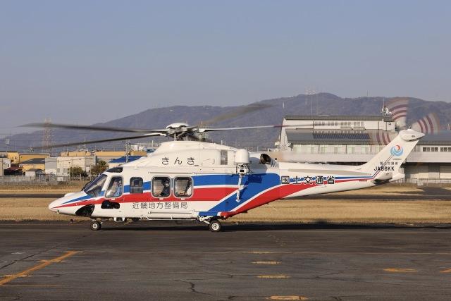Hii82さんが、八尾空港で撮影した国土交通省 地方整備局 AW139の航空フォト(飛行機 写真・画像)
