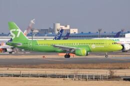 Flying A340さんが、成田国際空港で撮影したS7航空 A320-214の航空フォト(飛行機 写真・画像)