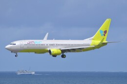 Flying A340さんが、那覇空港で撮影したジンエアー 737-86Nの航空フォト(飛行機 写真・画像)