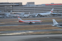 TAK_HND_NRTさんが、羽田空港で撮影した日本トランスオーシャン航空 737-446の航空フォト(飛行機 写真・画像)