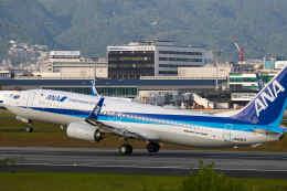 平凡なおっちゃんさんが、伊丹空港で撮影した全日空 737-8ALの航空フォト(飛行機 写真・画像)